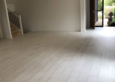 Laminate-Classic-Bleached-White-Teak-installation