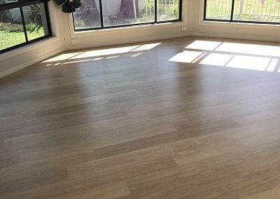 Laminate EL White Varnished Oak Lounge room